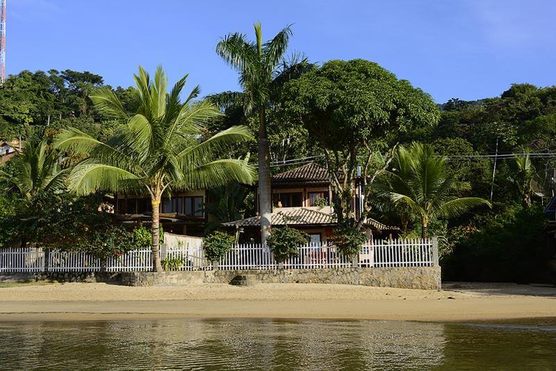 casa vista da praia